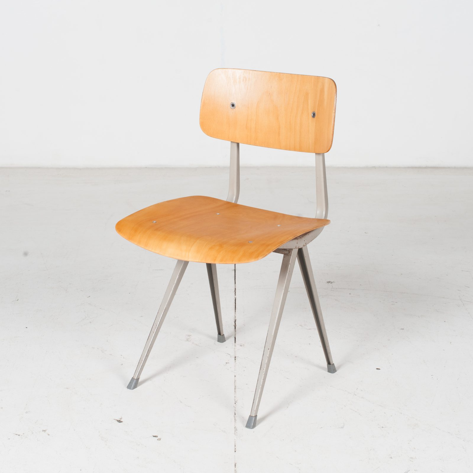 Mt Industrial Chair Hero 1