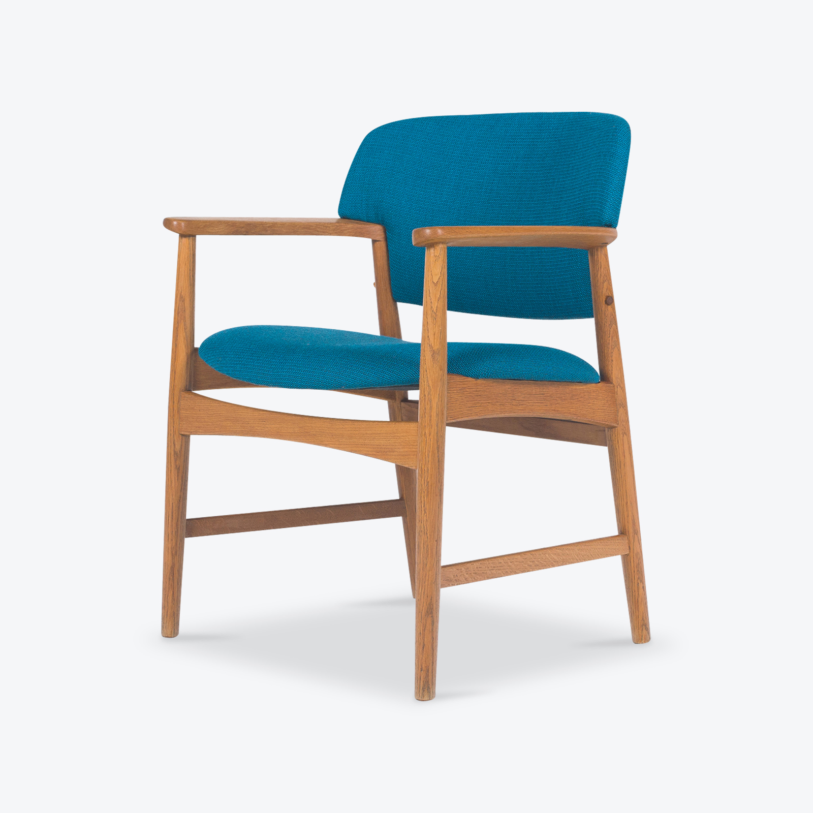 carver-chair-in-oak-with-new-kvadrat-upholstery-  sc 1 st  Modern Times : chair upholstery - lorbestier.org