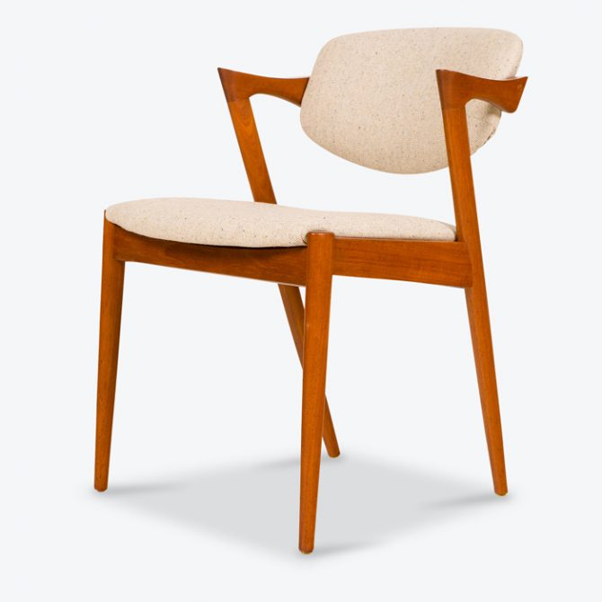 Set 4 No42 Dining Chairs by Kai Kristensen in Teak with Oatmeal Upholstery, 1960s, Denmark