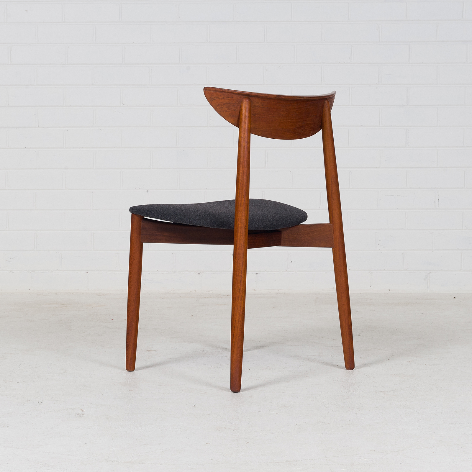 Set 6 Dining Chairs By Harry Ostergaard For Moreddi In