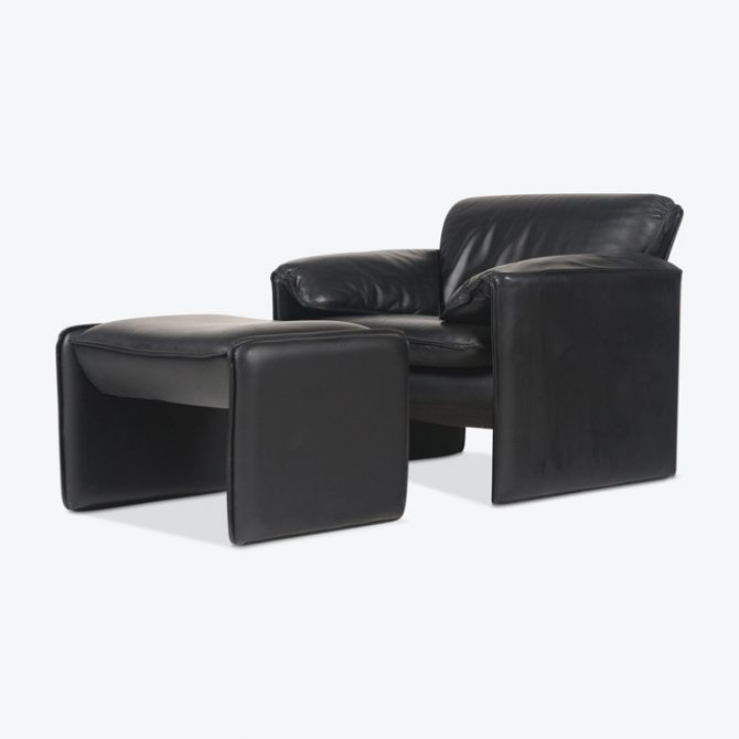 Armchair And Ottoman By Leolux In Black Leather 1960s Germany 01 Thumb.jpg