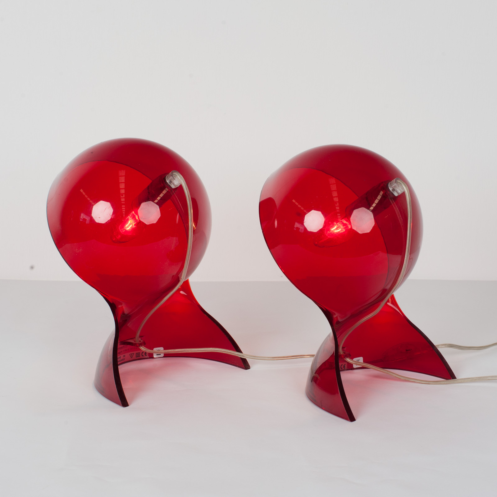 Pair Of Dalu Lamps In Red Plexiglass By Vico Magistretti For Artemide, 1969, Italy5