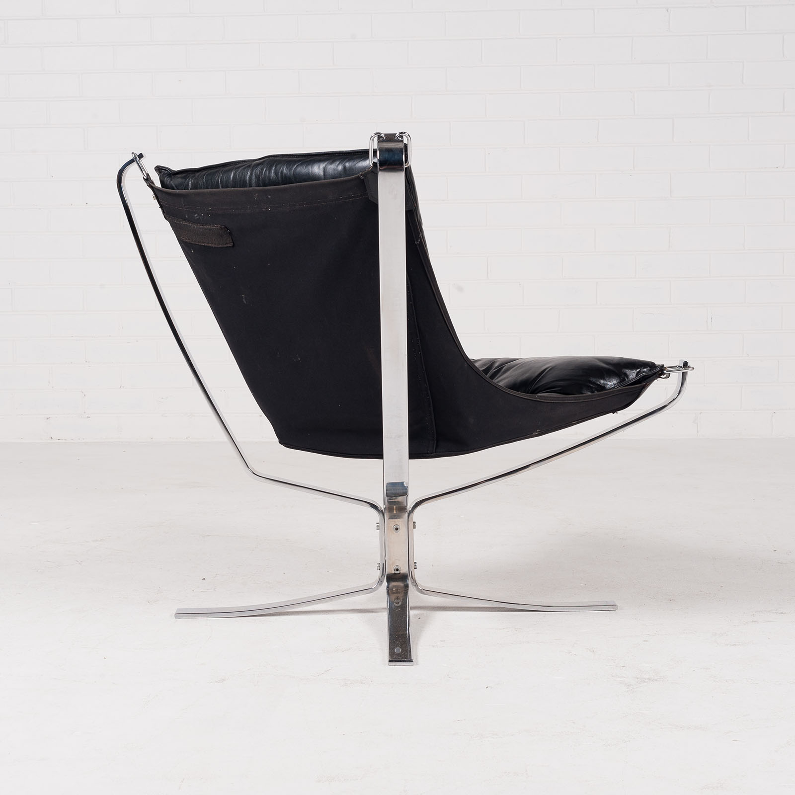 Low Back Falcon Armchair By Sigurd Resell For Vatne Mobler In Black Leather With Chrome Frame 1960s Denmark 04
