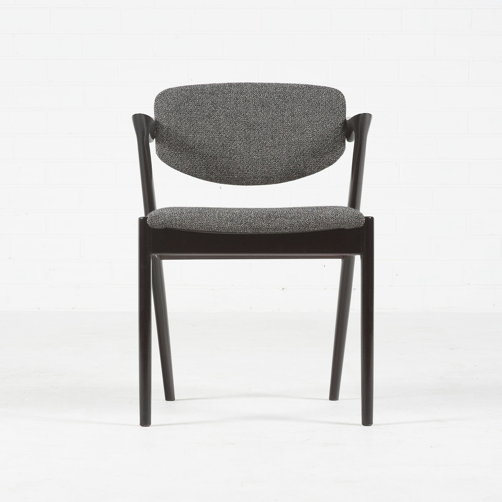 Set 4 Model 42 Dining Chairs By Kai Kristiansen In Stained Oak And New Kvadrat Upholstery 1959 Denmark 02