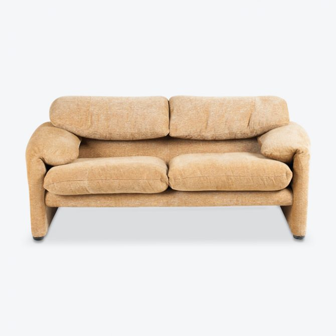 Maralunga 2 Seat Sofa By Vico Magistretti For Cassina In Gold Upholstery 1970s Italy Thumb 1.jpg