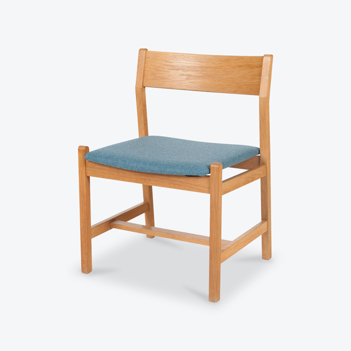 Set Of 4 'shaker' Dining Chairs By Borge Mogensen For Fredericia In Oak And Original Blue Upholstery 1960s Denmark Thumb