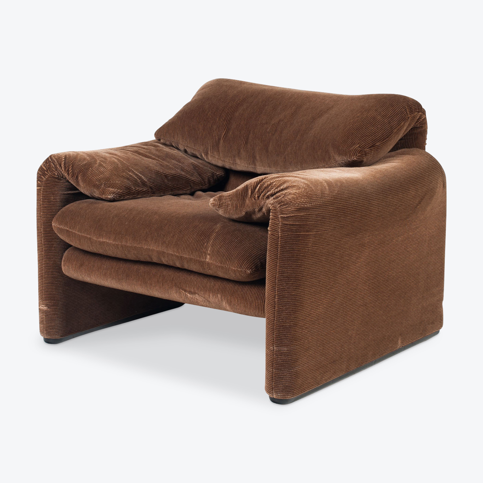 Maralunga Armchair By Vico Magistretti For Cassina In Original Chocolate Velvet 1970s Italy 00