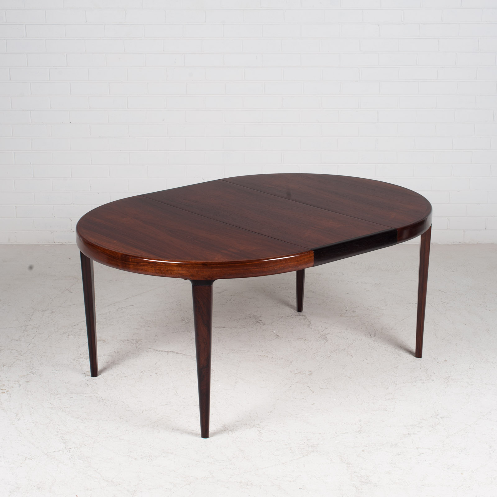 Round Dining Table By Johannes Andersen For Uldum In