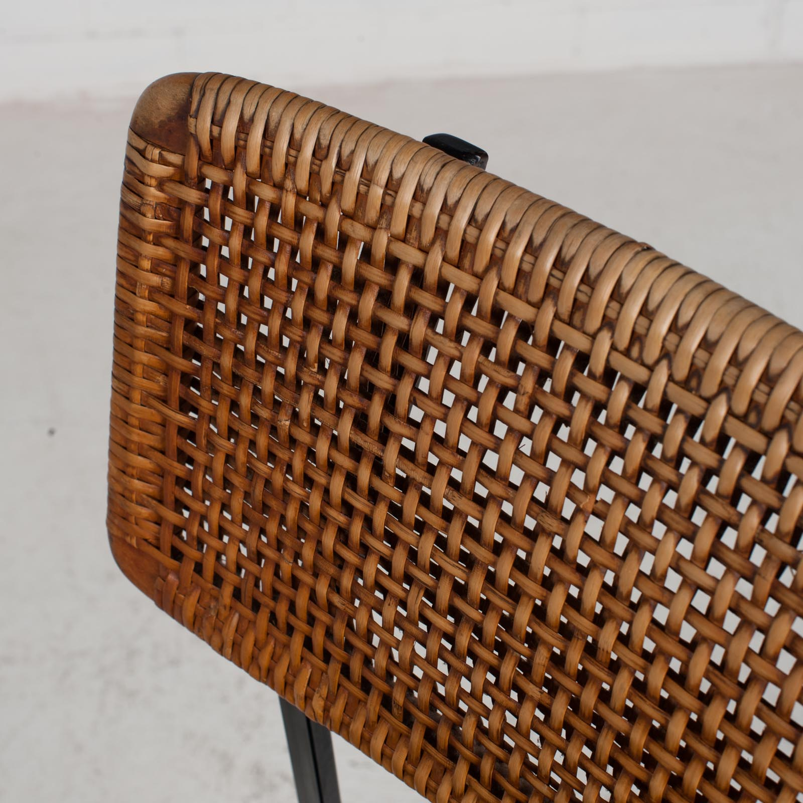 Set Of 4 Dining Chairs By Rohe In Rattan And Original Vinyl 1960s Denmark 07