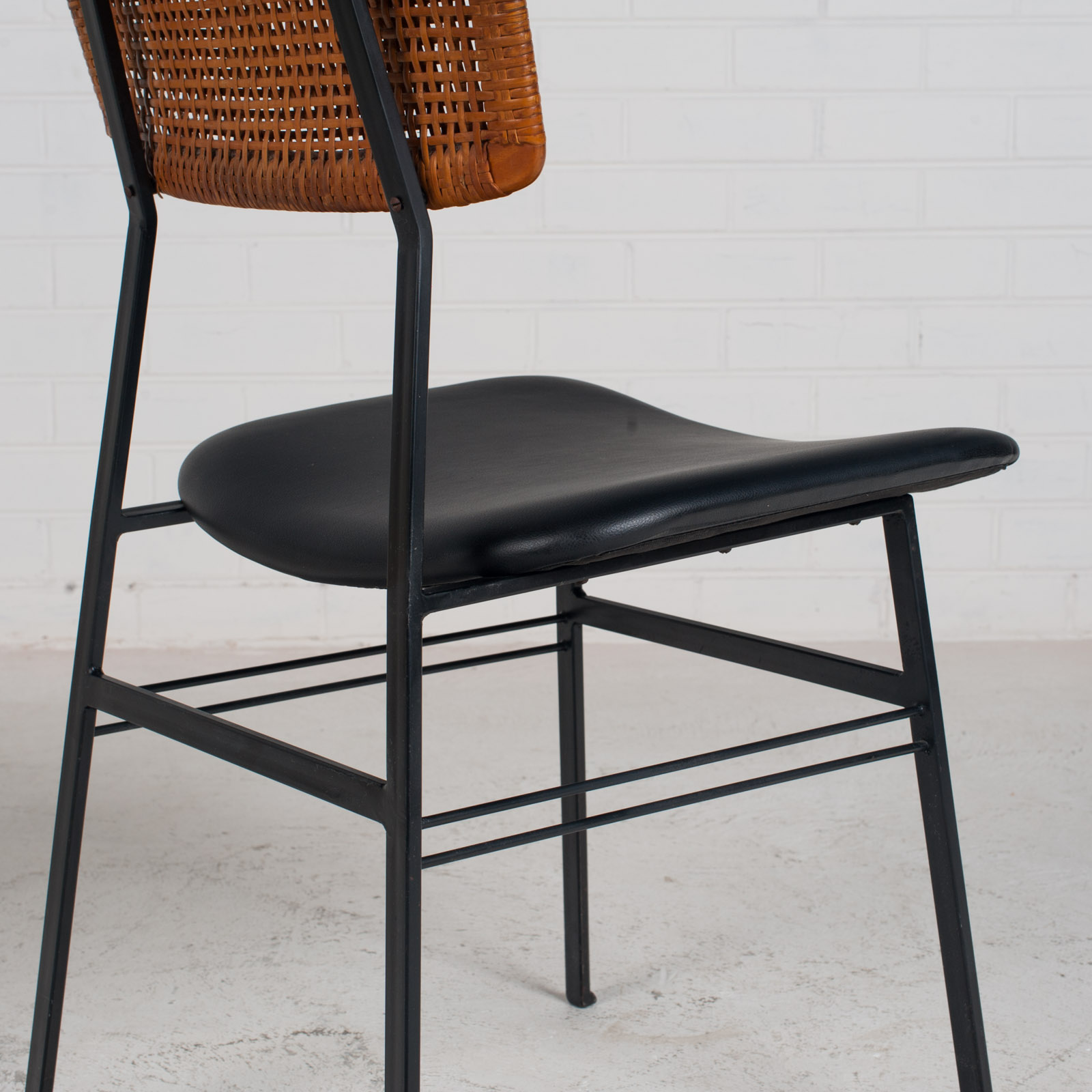 Set Of 4 Dining Chairs By Rohe In Rattan And Original Vinyl 1960s Denmark 11