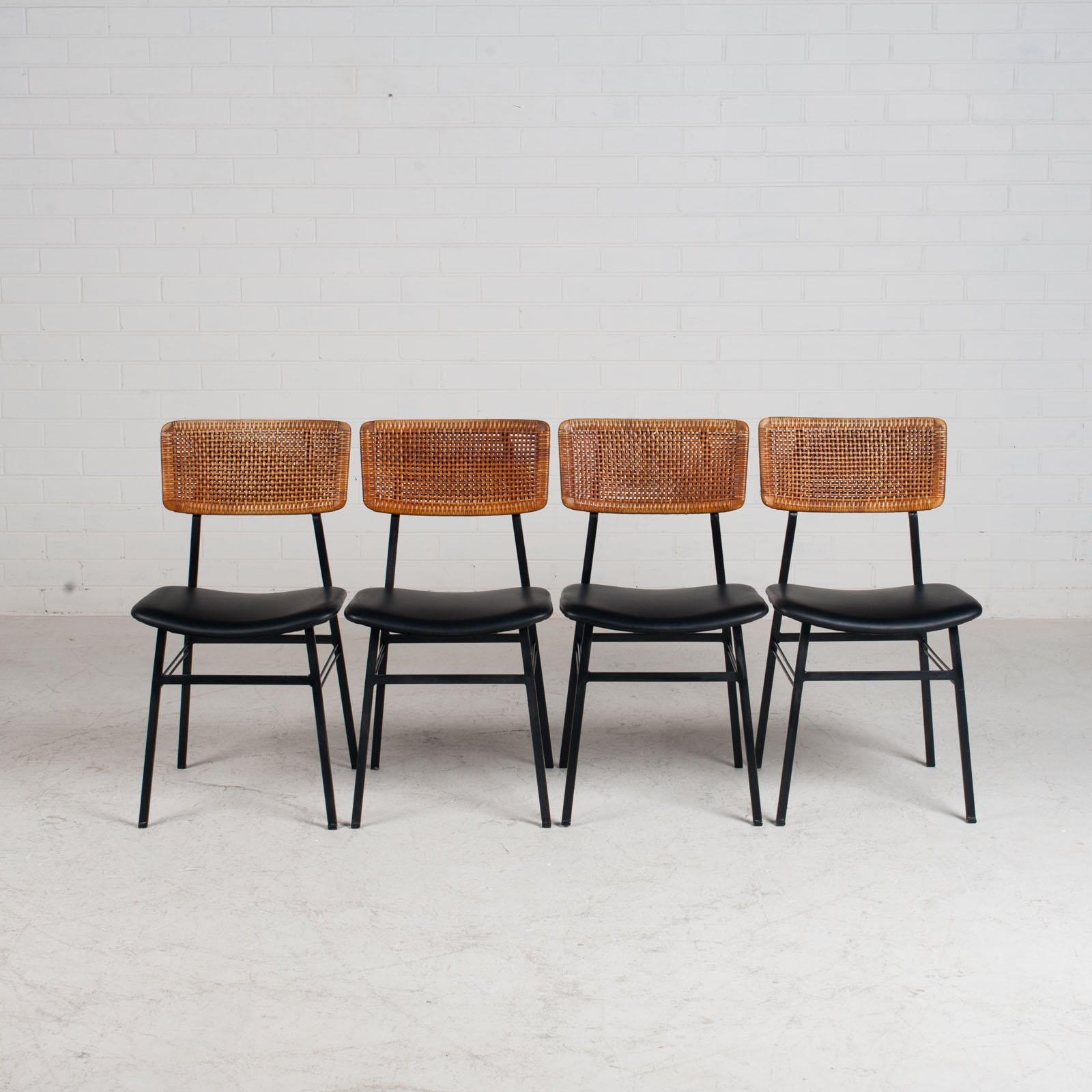 Set Of 4 Dining Chairs By Rohe In Rattan And Original Vinyl 1960s Denmark 12