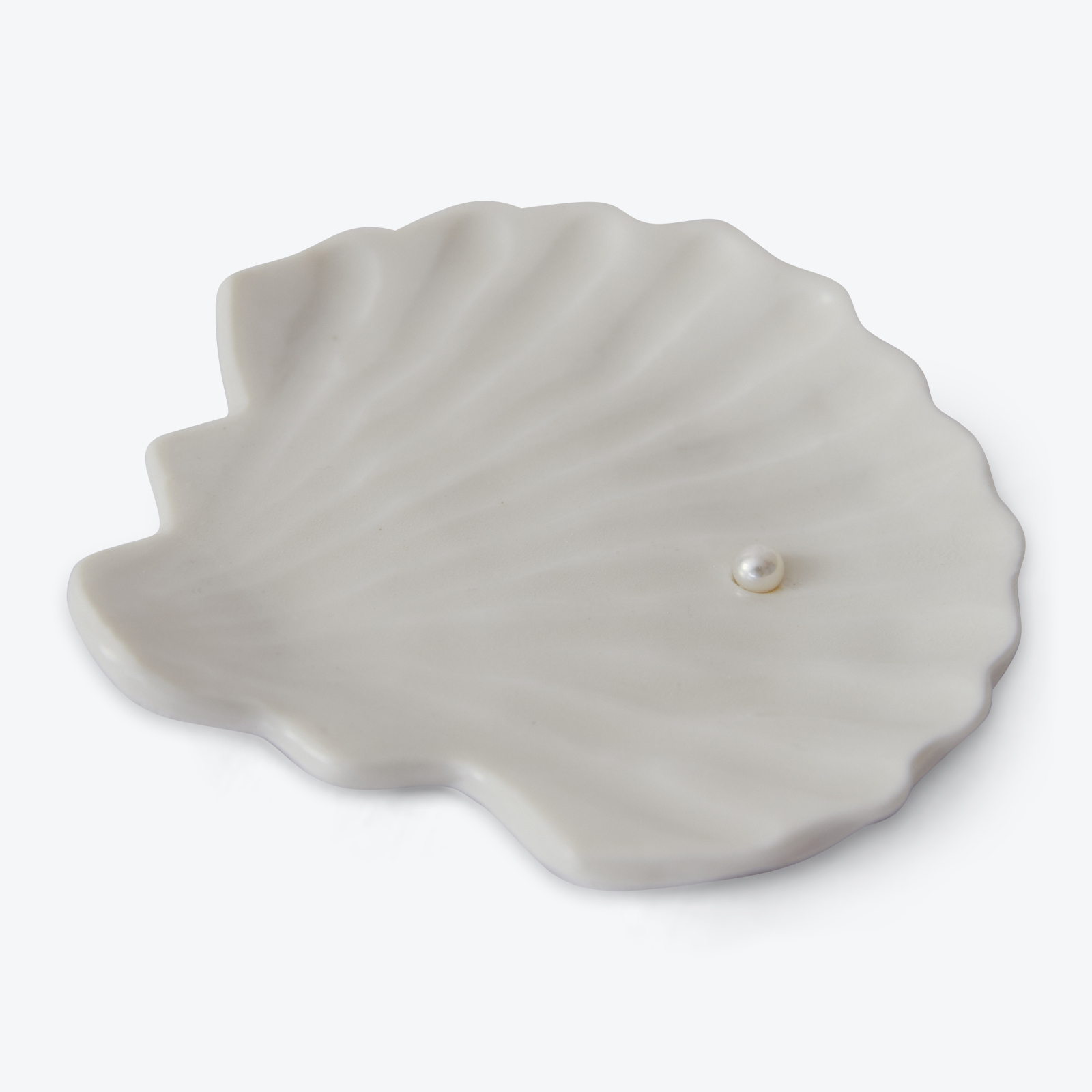 Shell Dish With Pearl In Porcelain With Freshwater Pearl By Gretel Corrie 01.jpg