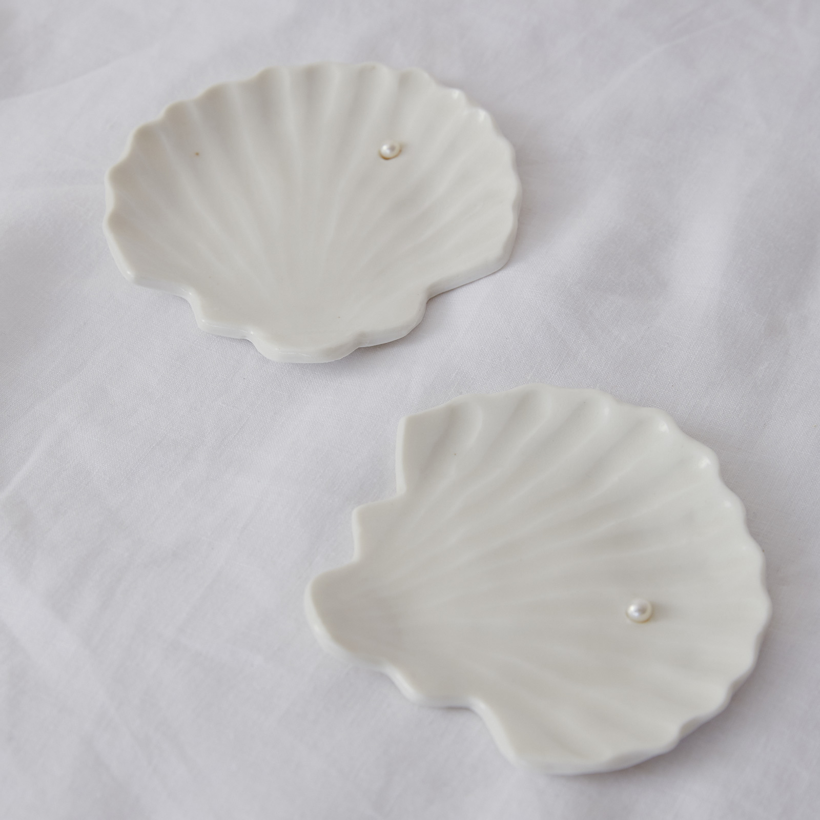 Shell Dish With Pearl In Porcelain With Freshwater Pearl By Gretel Corrie 03