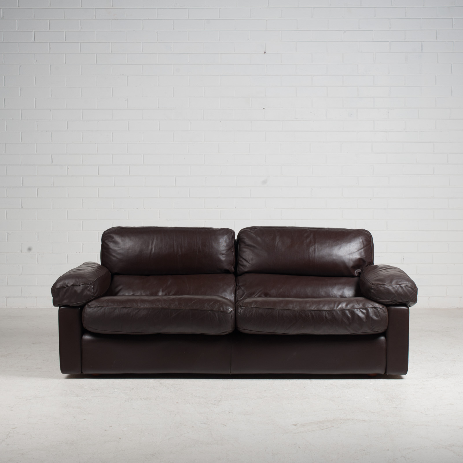 2 Seat Sofa By Tito Agnoli For Poltrona Frau In Chocolate Leather 1970s Italy 02