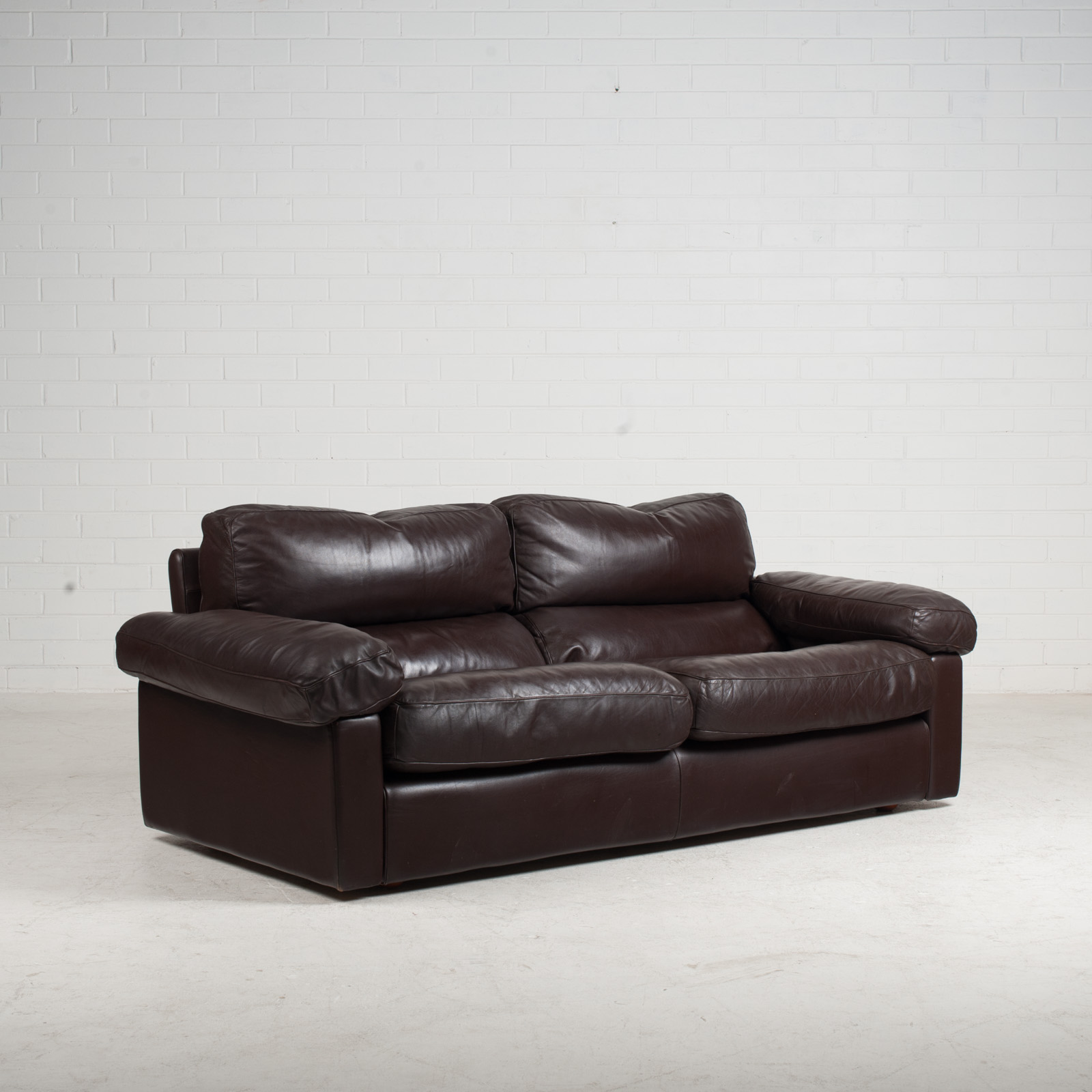 2 Seat Sofa By Tito Agnoli For Poltrona Frau In Chocolate Leather 1970s Italy 03