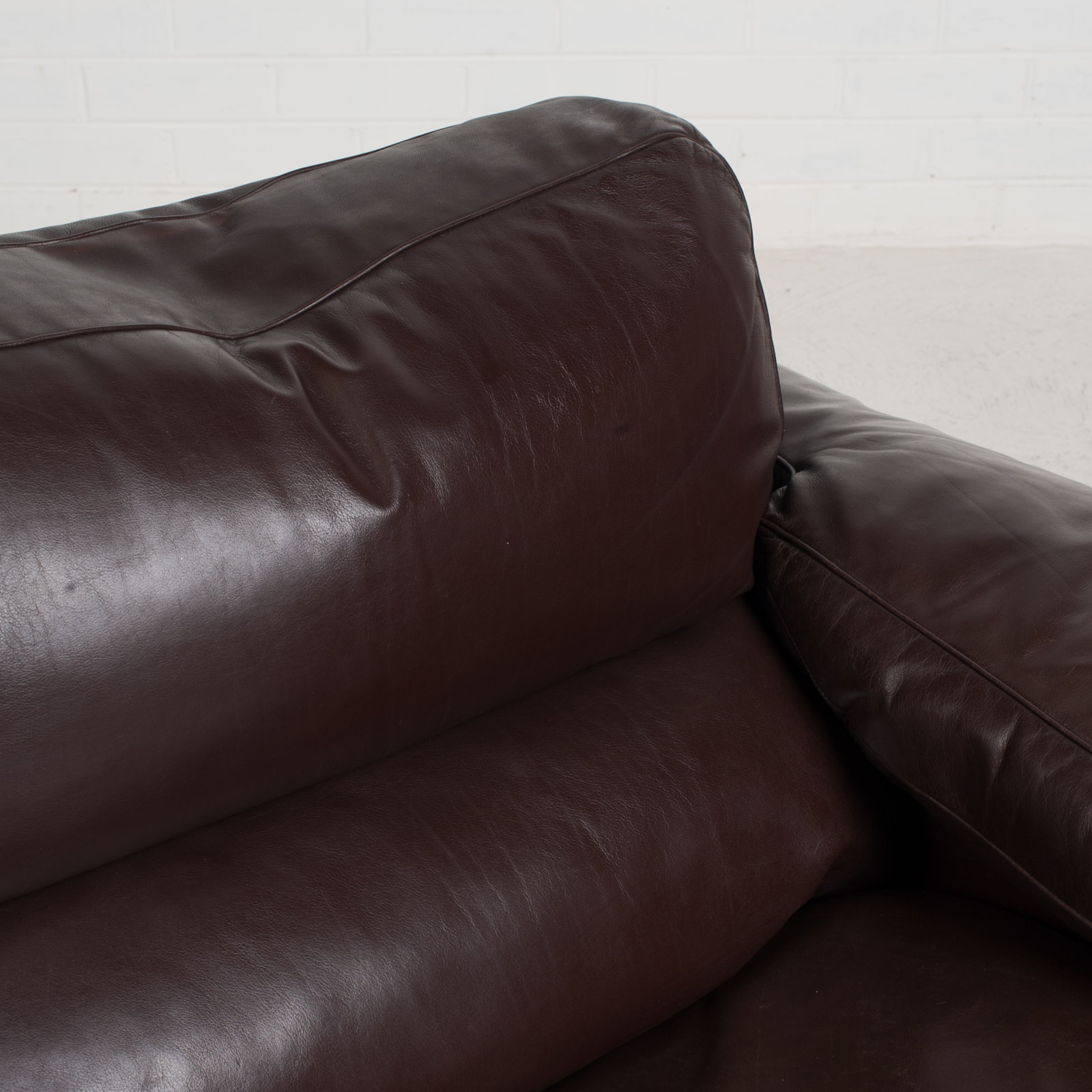 2 Seat Sofa By Tito Agnoli For Poltrona Frau In Chocolate Leather 1970s Italy 09
