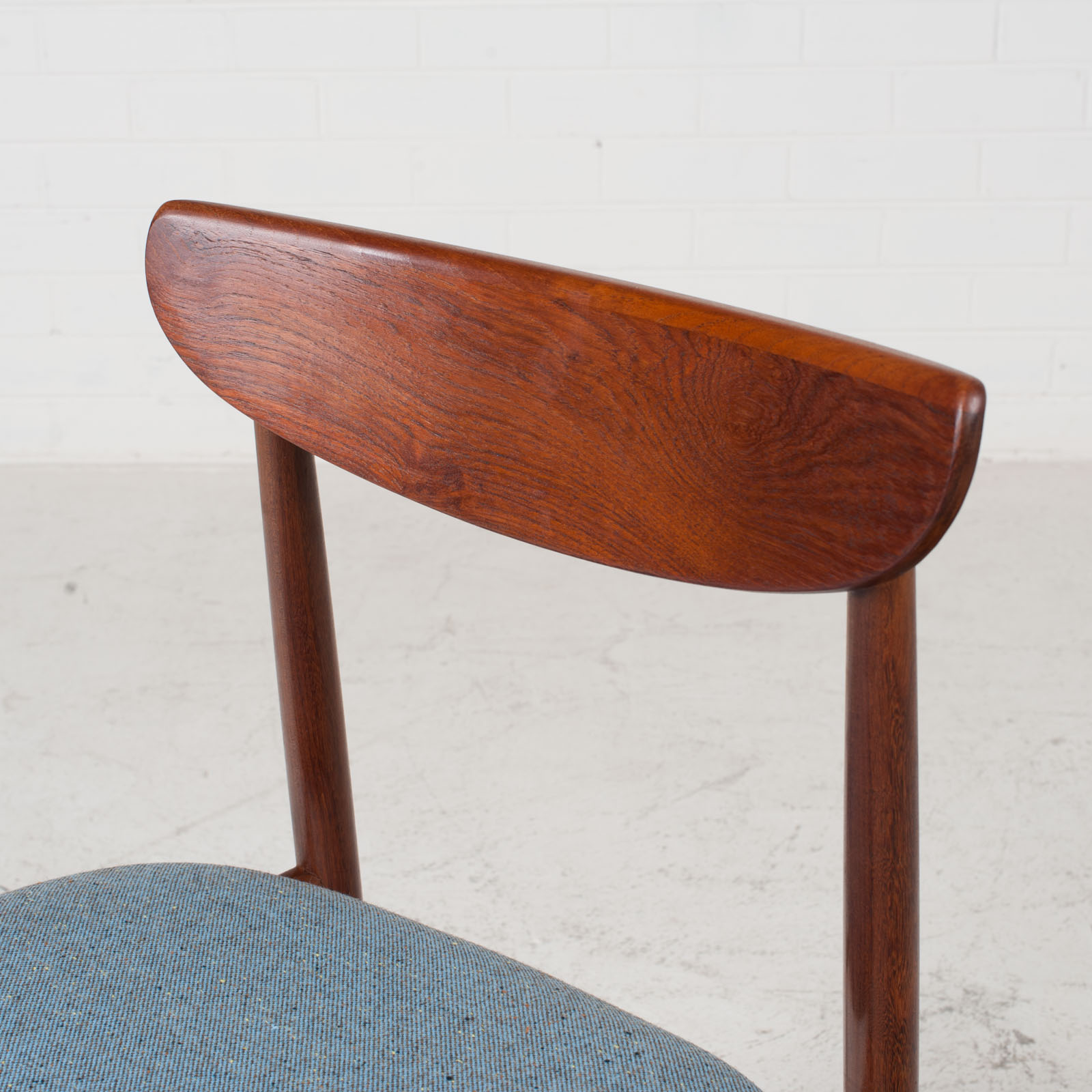 Set Of 4 Curved Lip Dining Chairs In Teak 1960s Denmark 04