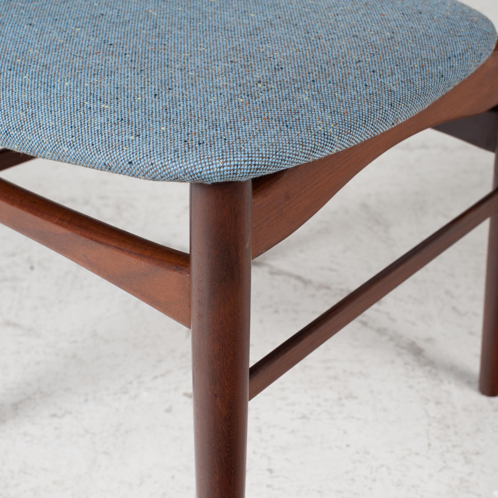 Set Of 4 Curved Lip Dining Chairs In Teak 1960s Denmark 06