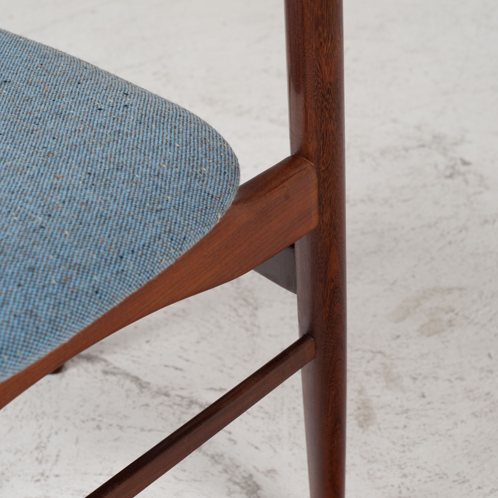 Set Of 4 Curved Lip Dining Chairs In Teak 1960s Denmark 07