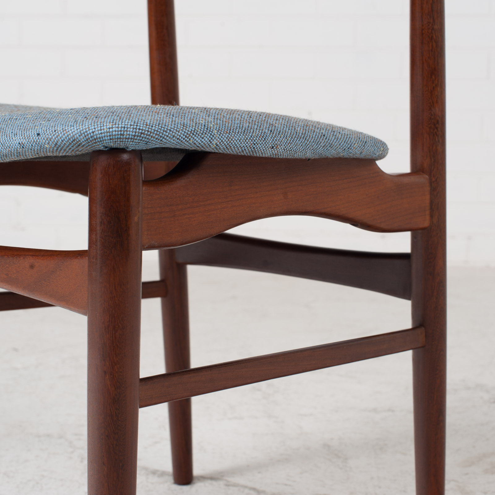 Set Of 4 Curved Lip Dining Chairs In Teak 1960s Denmark 10