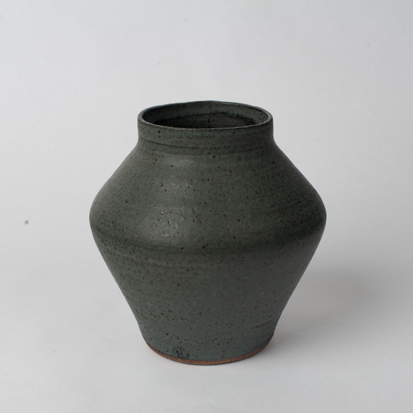 Shibo Vase In Ceramic With Velvet Glaze By Asobimasu Clay 02