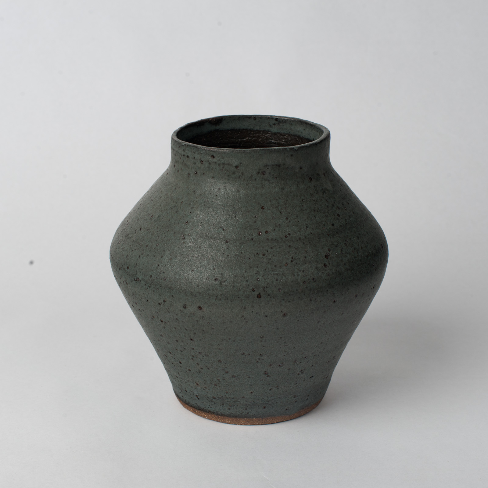 Shibo Vase In Ceramic With Velvet Glaze By Asobimasu Clay 03