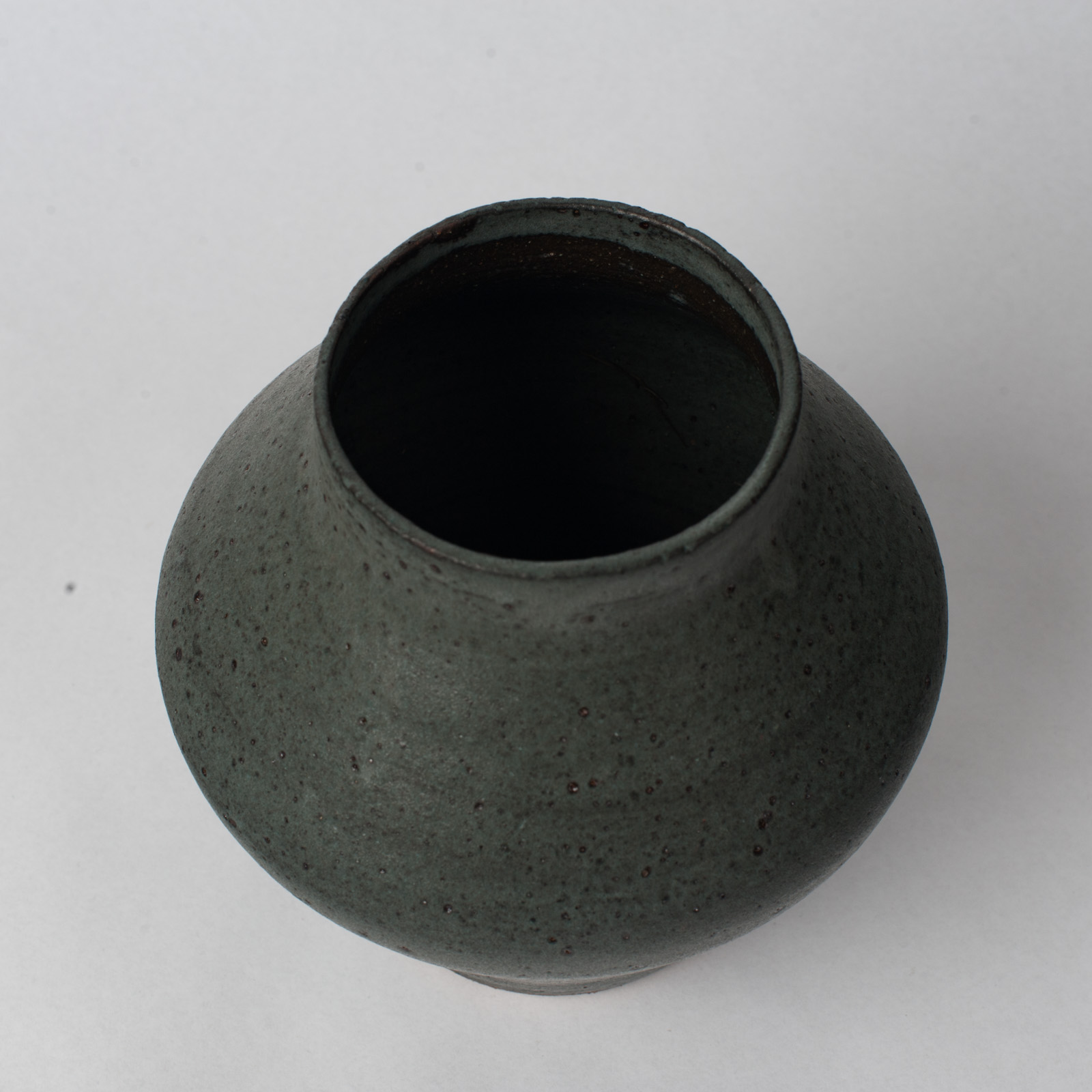Shibo Vase In Ceramic With Velvet Glaze By Asobimasu Clay 04