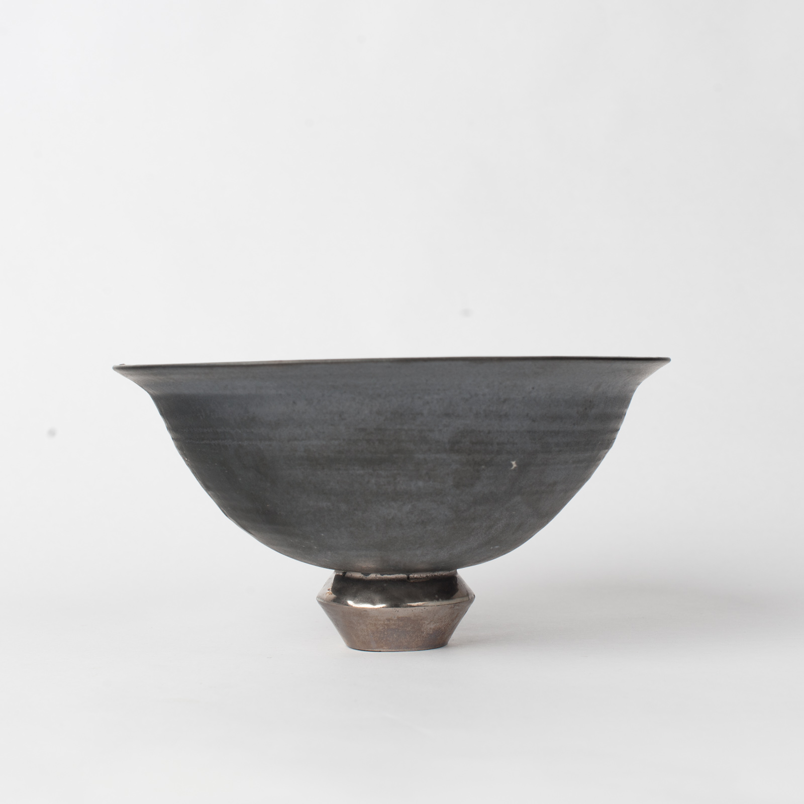Standing Bowl In Stoneware With Metallic Glaze By Claudia Lau 05
