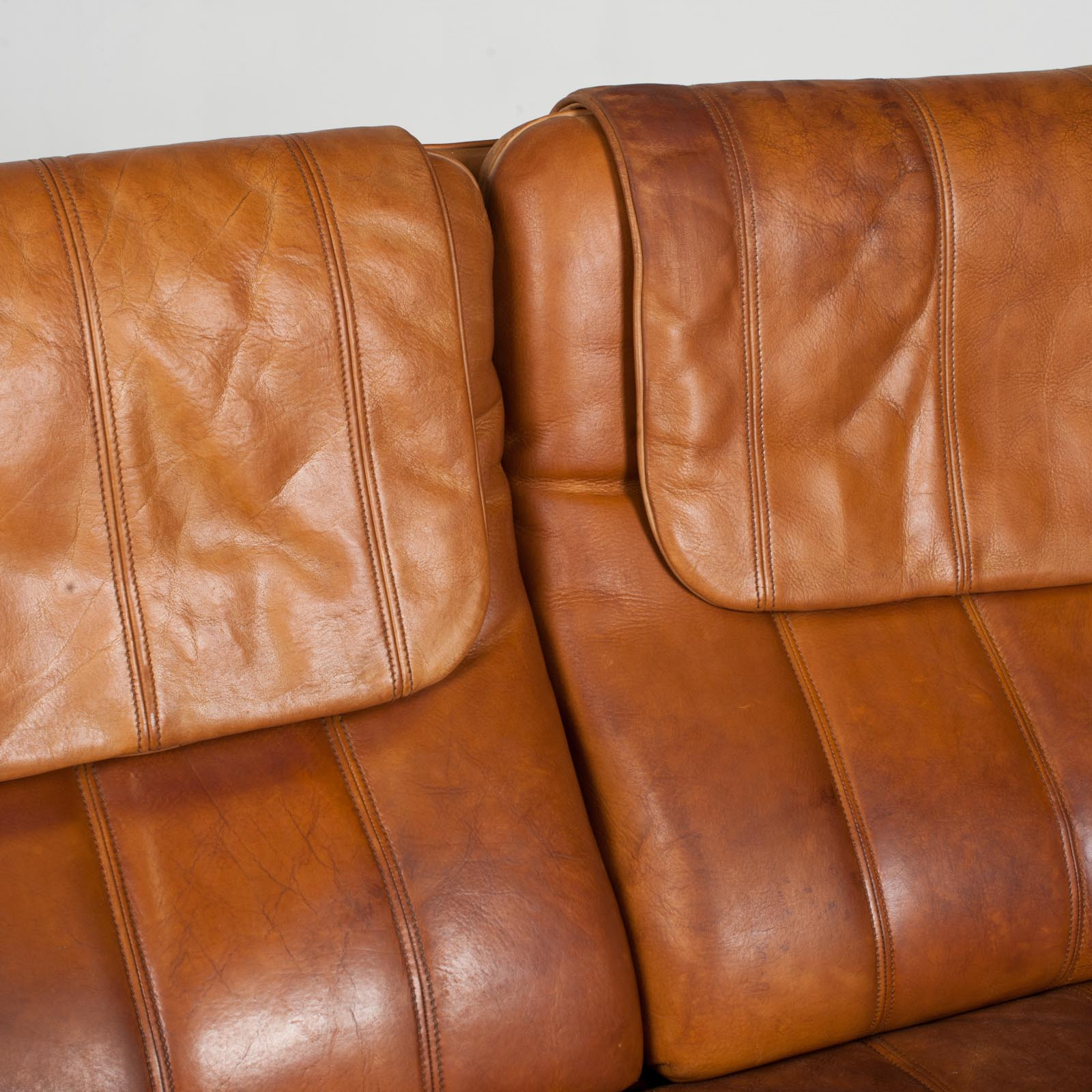 2 Seat Sofa By De Sede In Tan Leather 1970s Switzerland 06