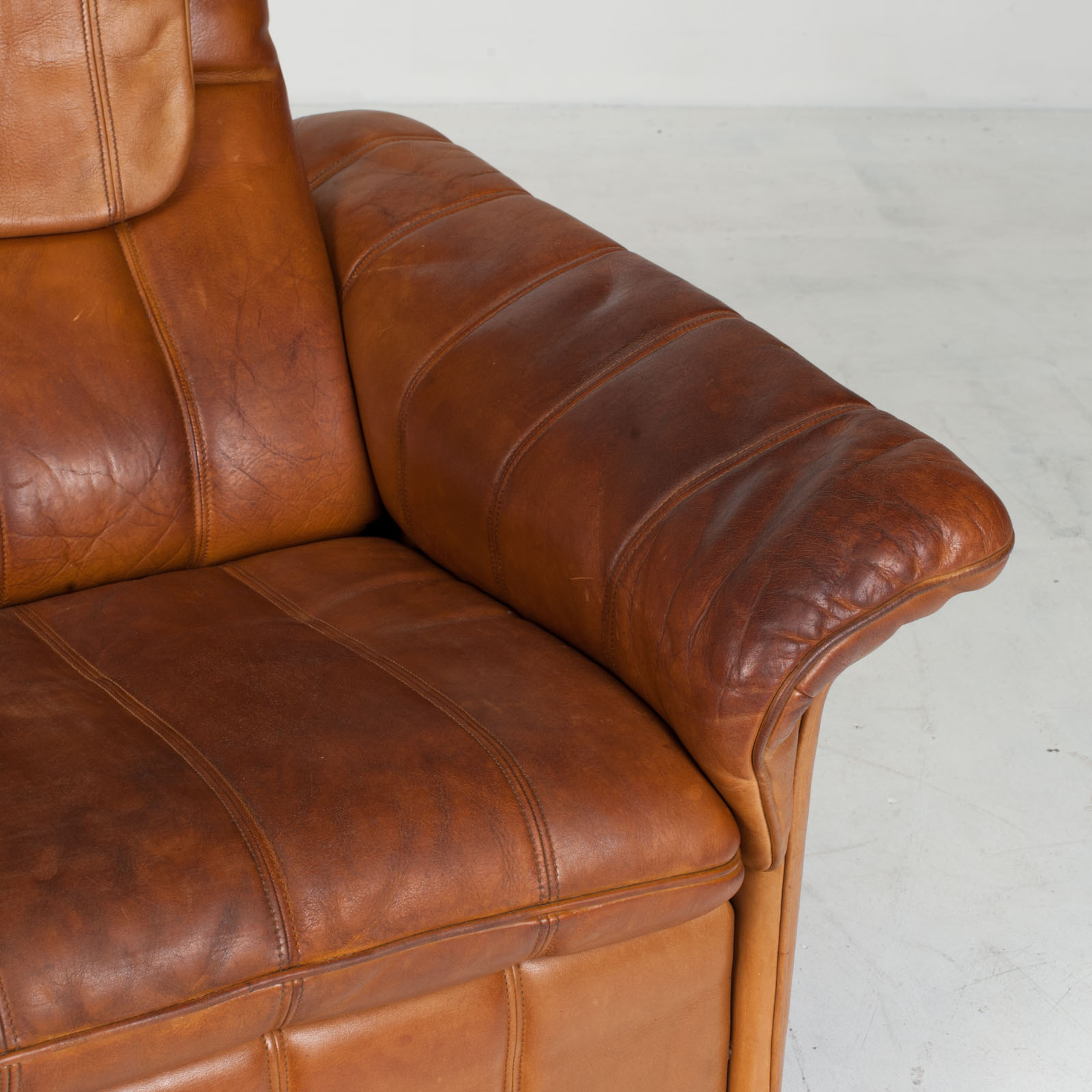 2 Seat Sofa By De Sede In Tan Leather 1970s Switzerland 07