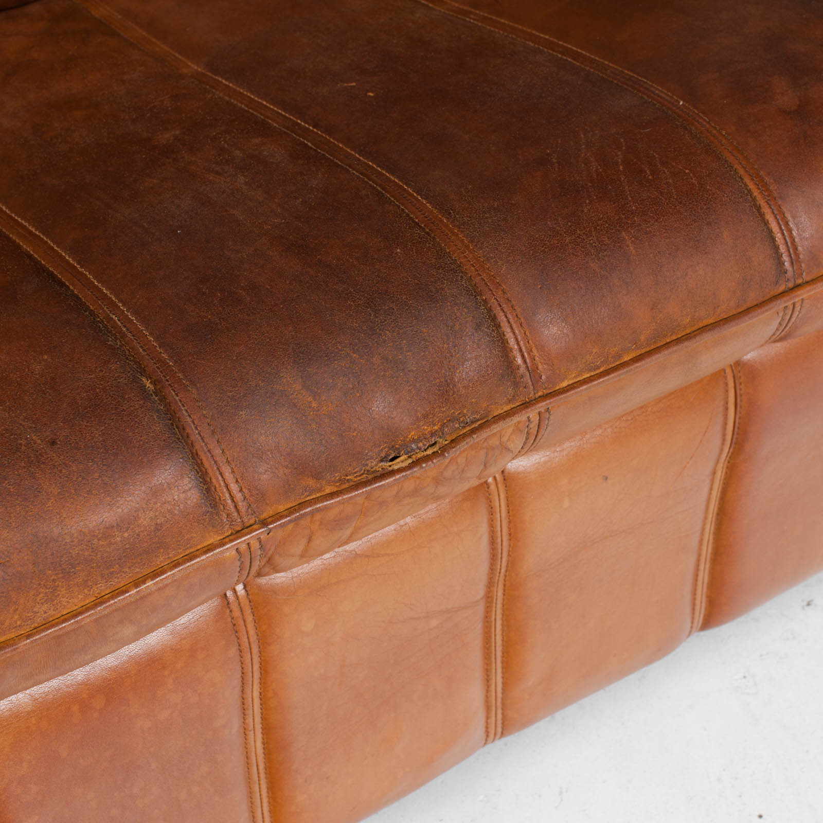 2 Seat Sofa By De Sede In Tan Leather 1970s Switzerland 08