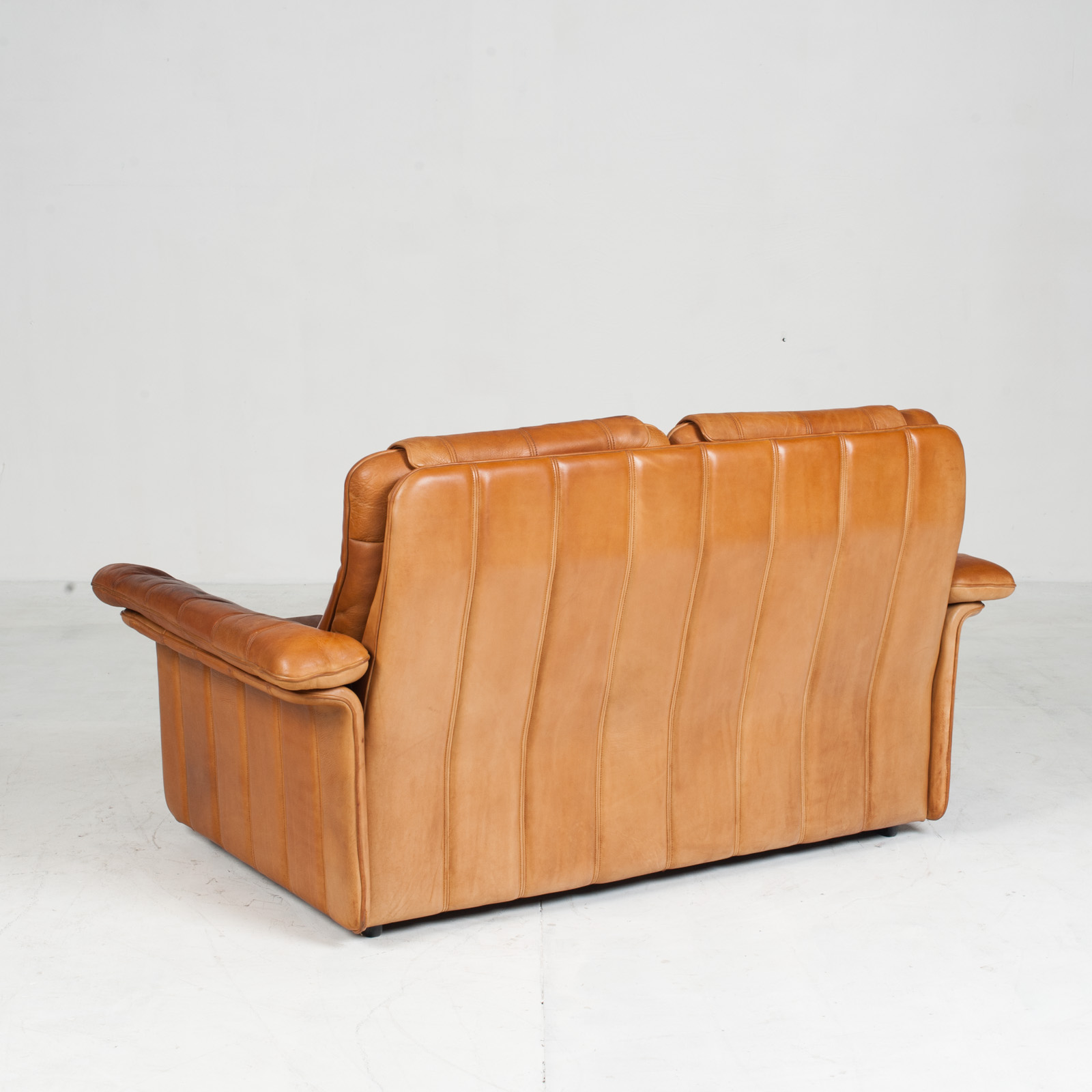 2 Seat Sofa By De Sede In Tan Leather 1970s Switzerland 12