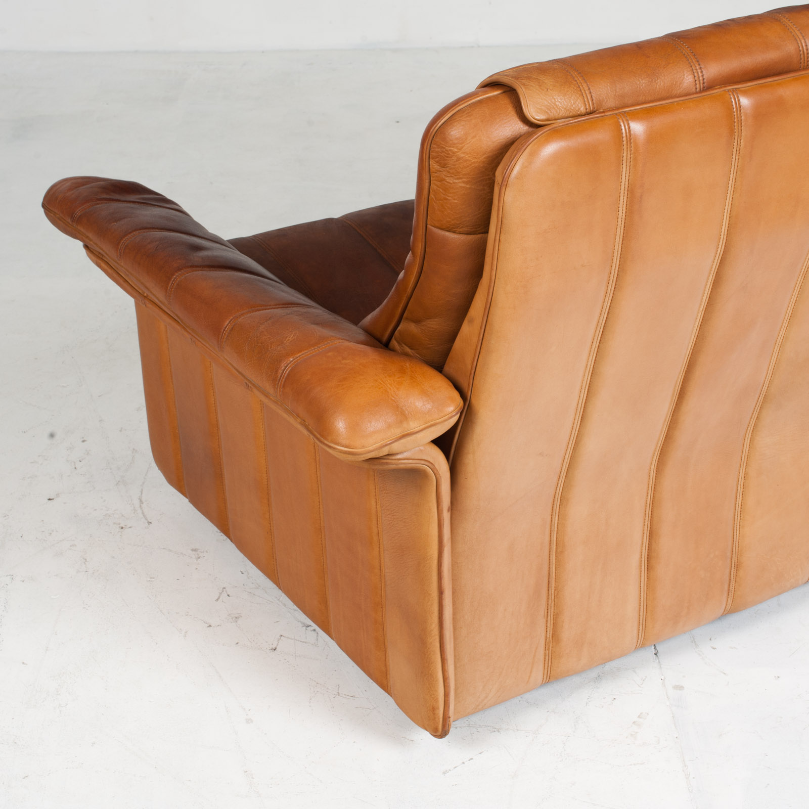 2 Seat Sofa By De Sede In Tan Leather 1970s Switzerland 13