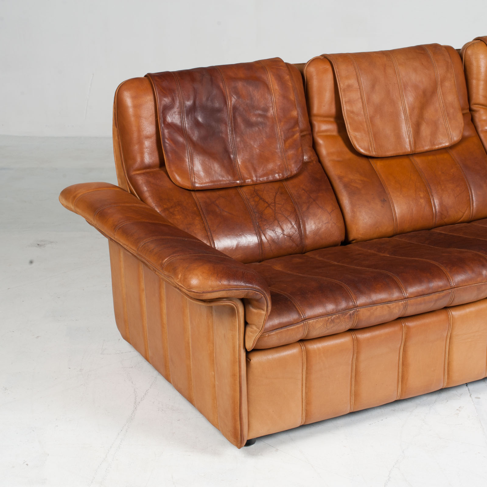 3 Seat Sofa By De Sede In Tan Leather 1970s Switzerland 03