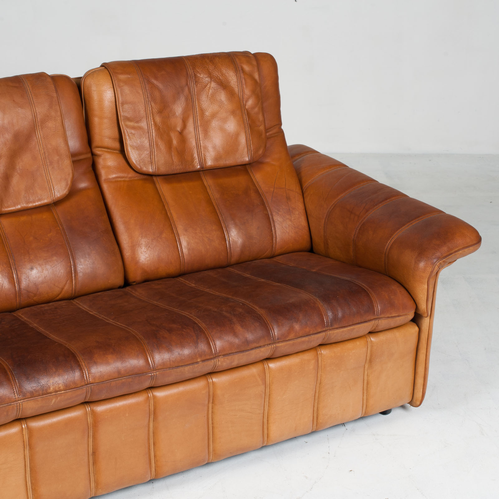 3 Seat Sofa By De Sede In Tan Leather 1970s Switzerland 04