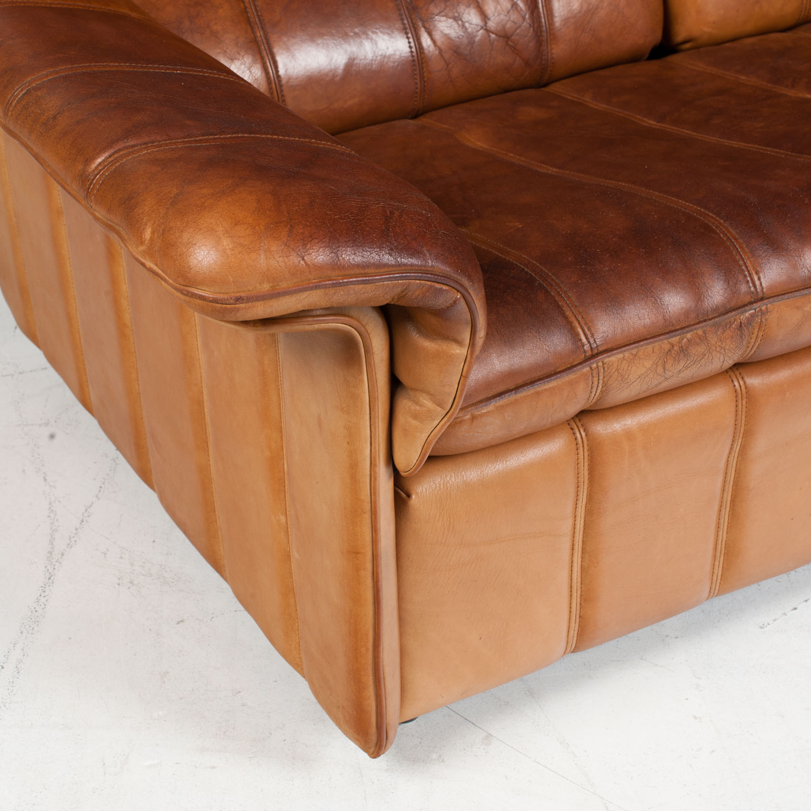 3 Seat Sofa By De Sede In Tan Leather 1970s Switzerland 05