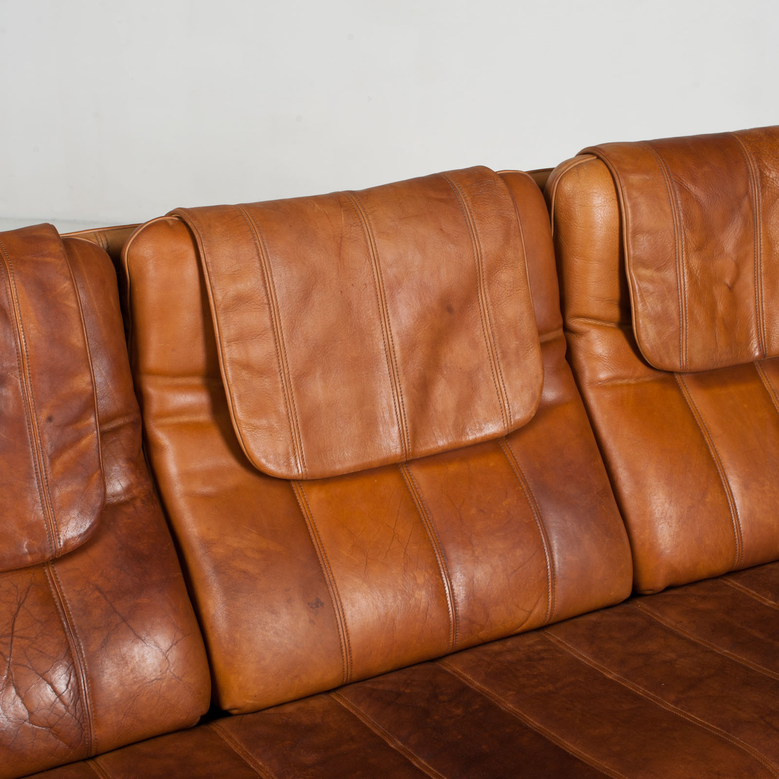 3 Seat Sofa By De Sede In Tan Leather 1970s Switzerland 07