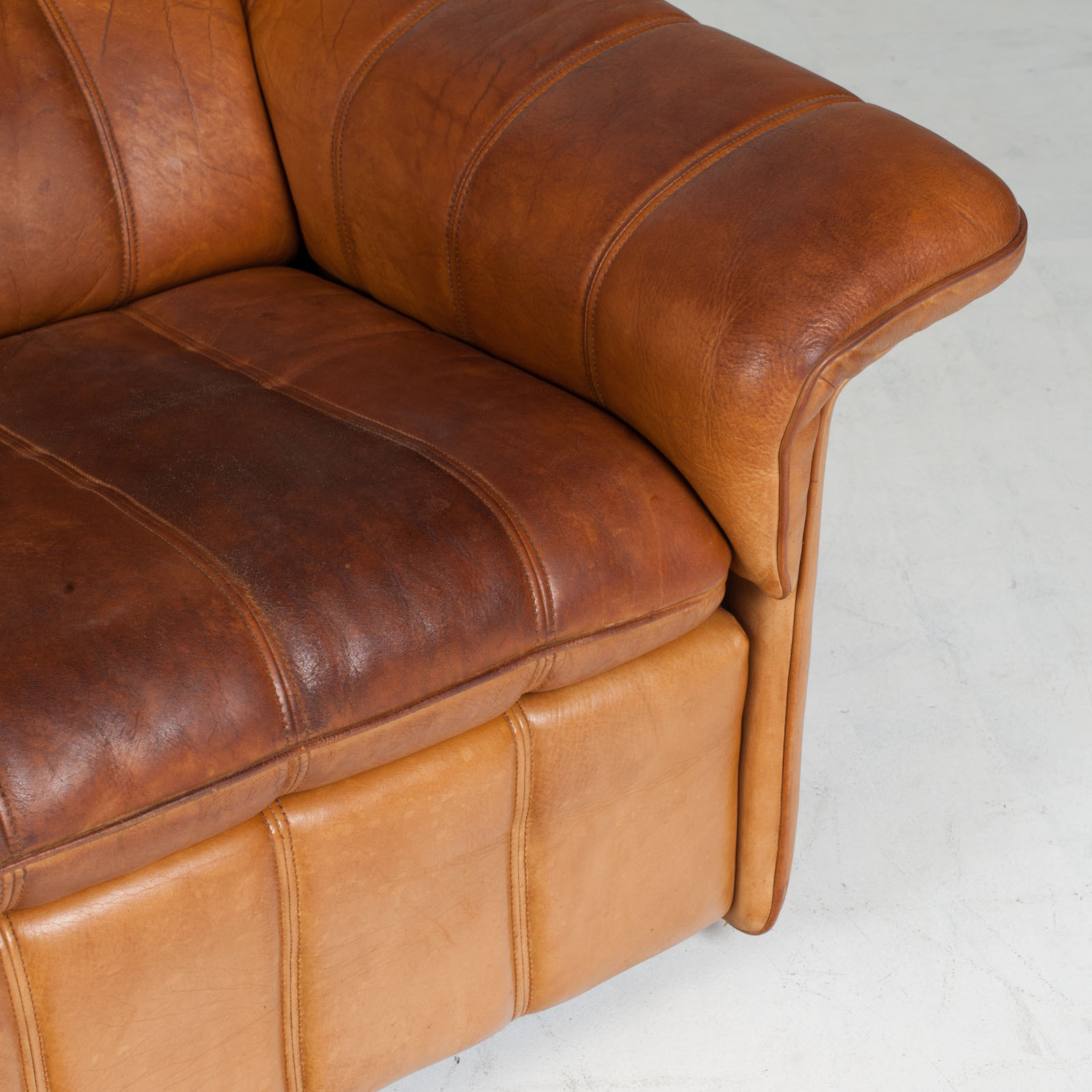 3 Seat Sofa By De Sede In Tan Leather 1970s Switzerland 10