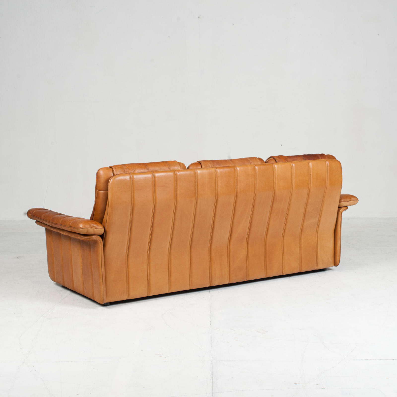 3 Seat Sofa By De Sede In Tan Leather 1970s Switzerland 11