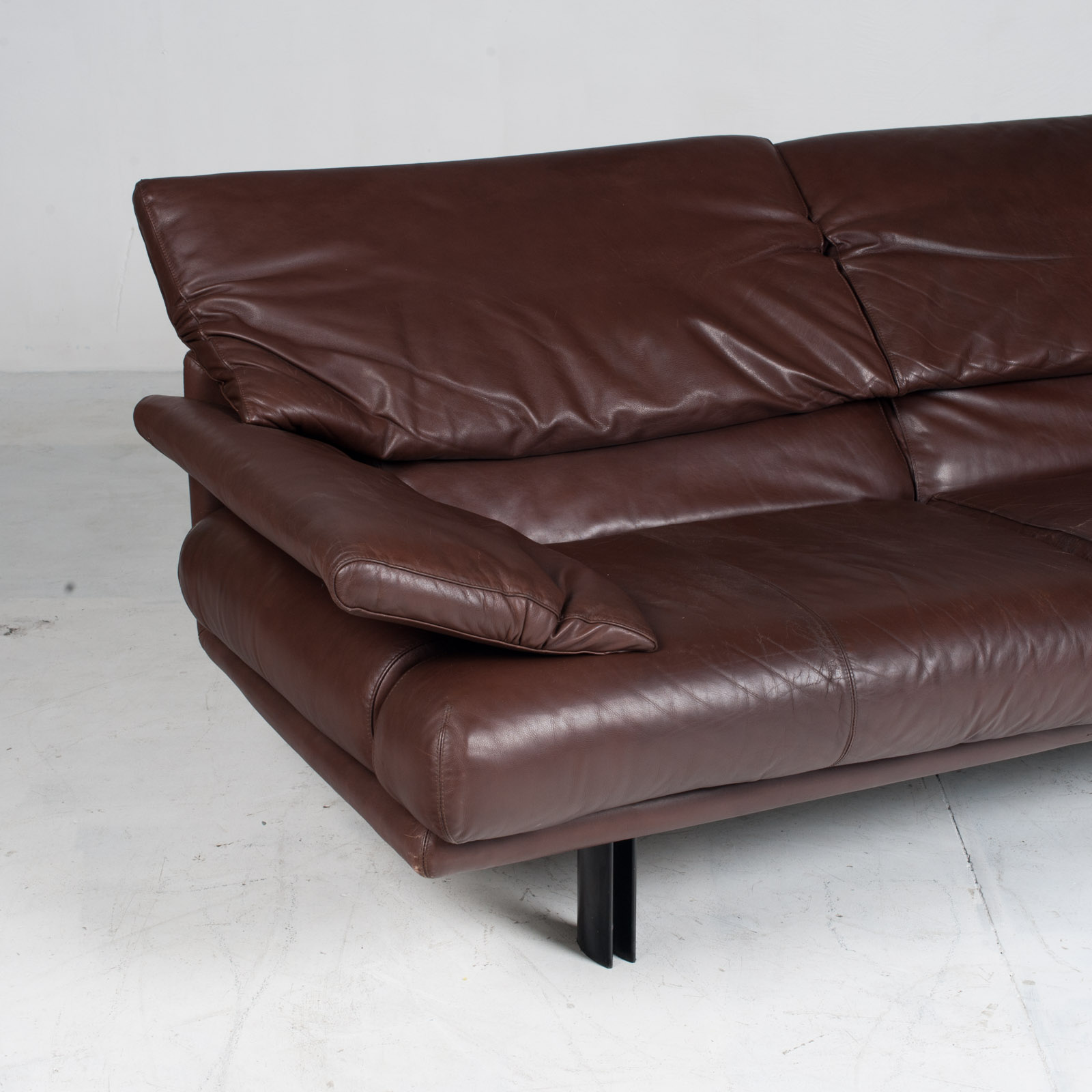 Alanda Sofa By Paolo Piva For B&b Italia In Burgundy Leather 1980s Italy 05