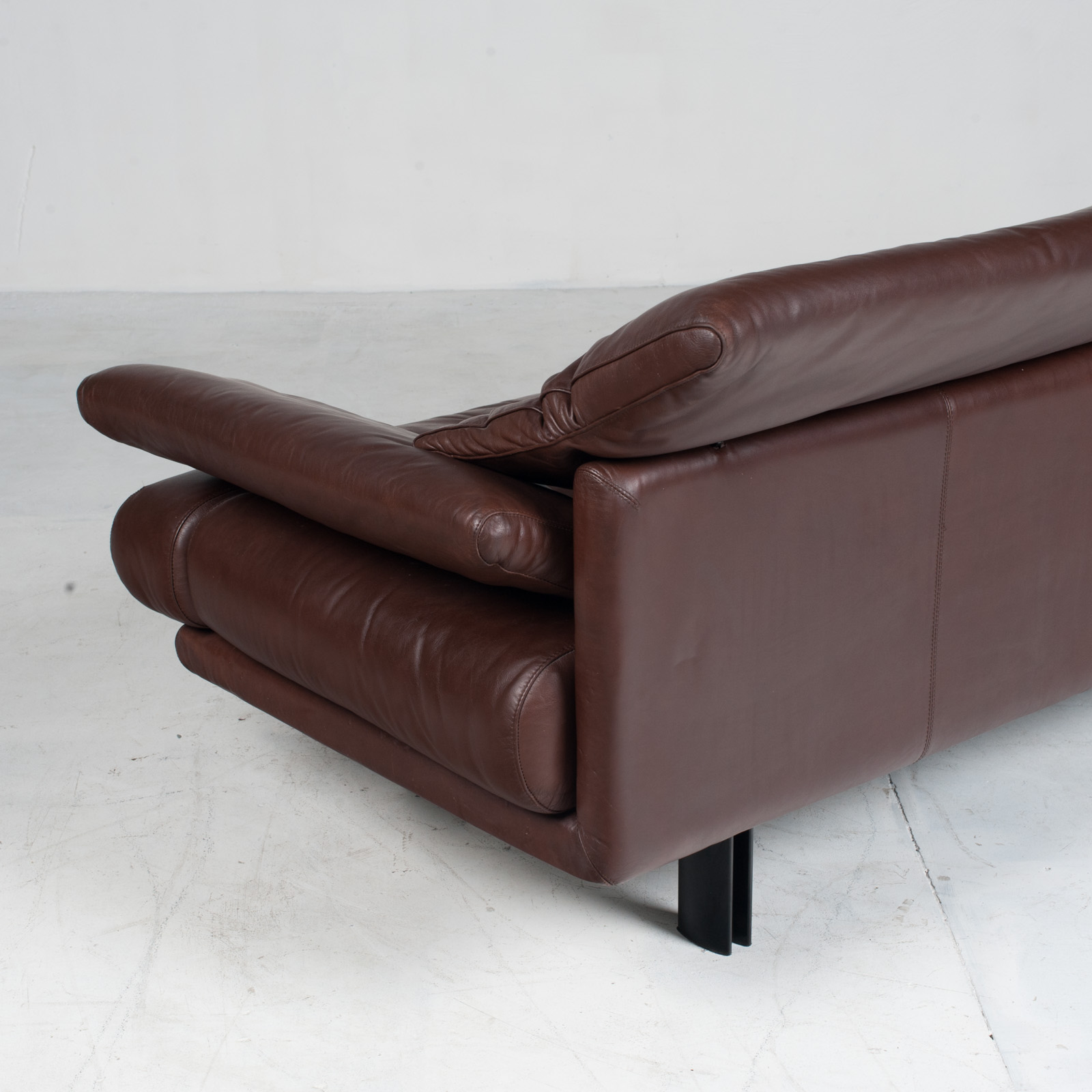 Alanda Sofa By Paolo Piva For B&b Italia In Burgundy Leather 1980s Italy 17