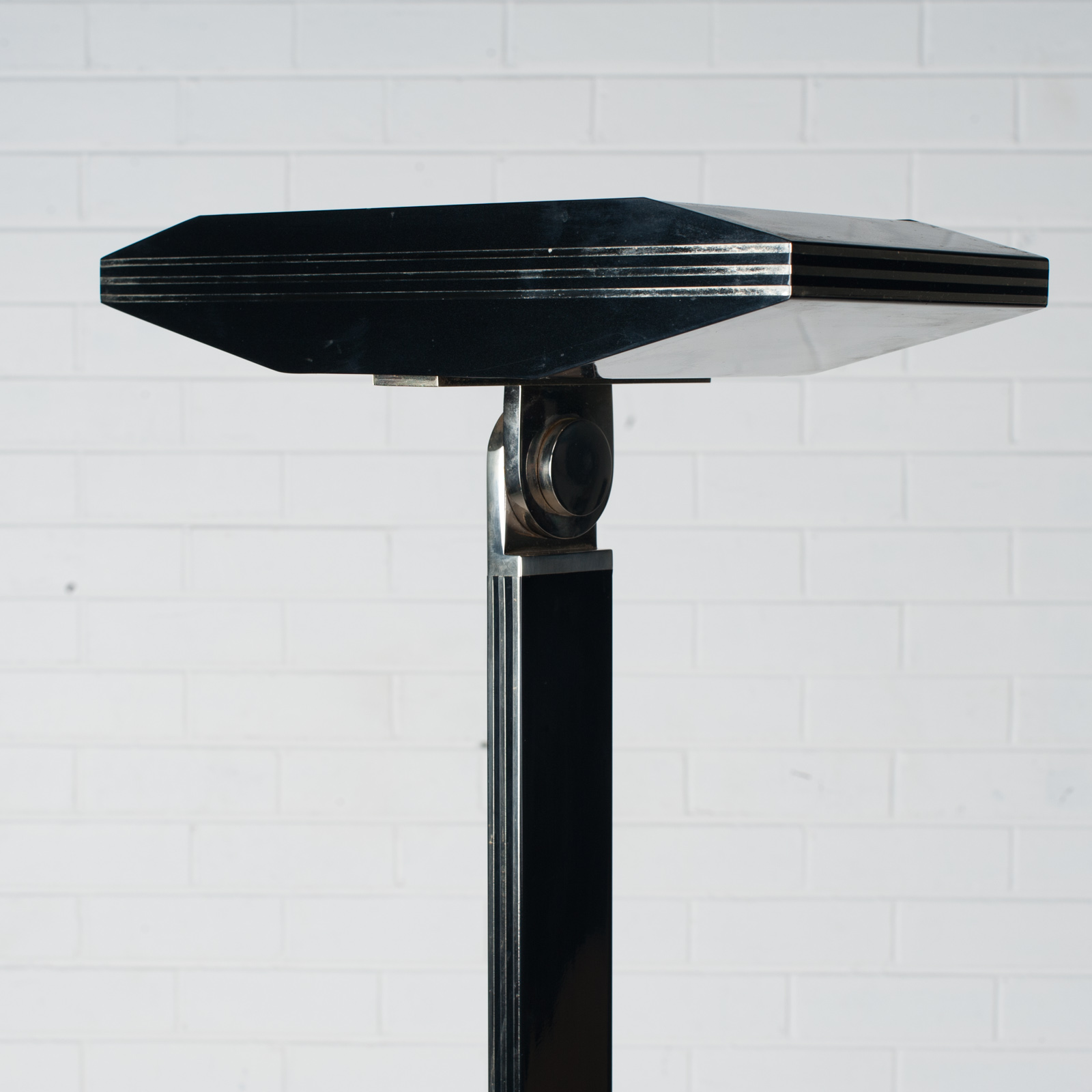 Black Metal And Brass Floor Lamp 1980s Italy 03
