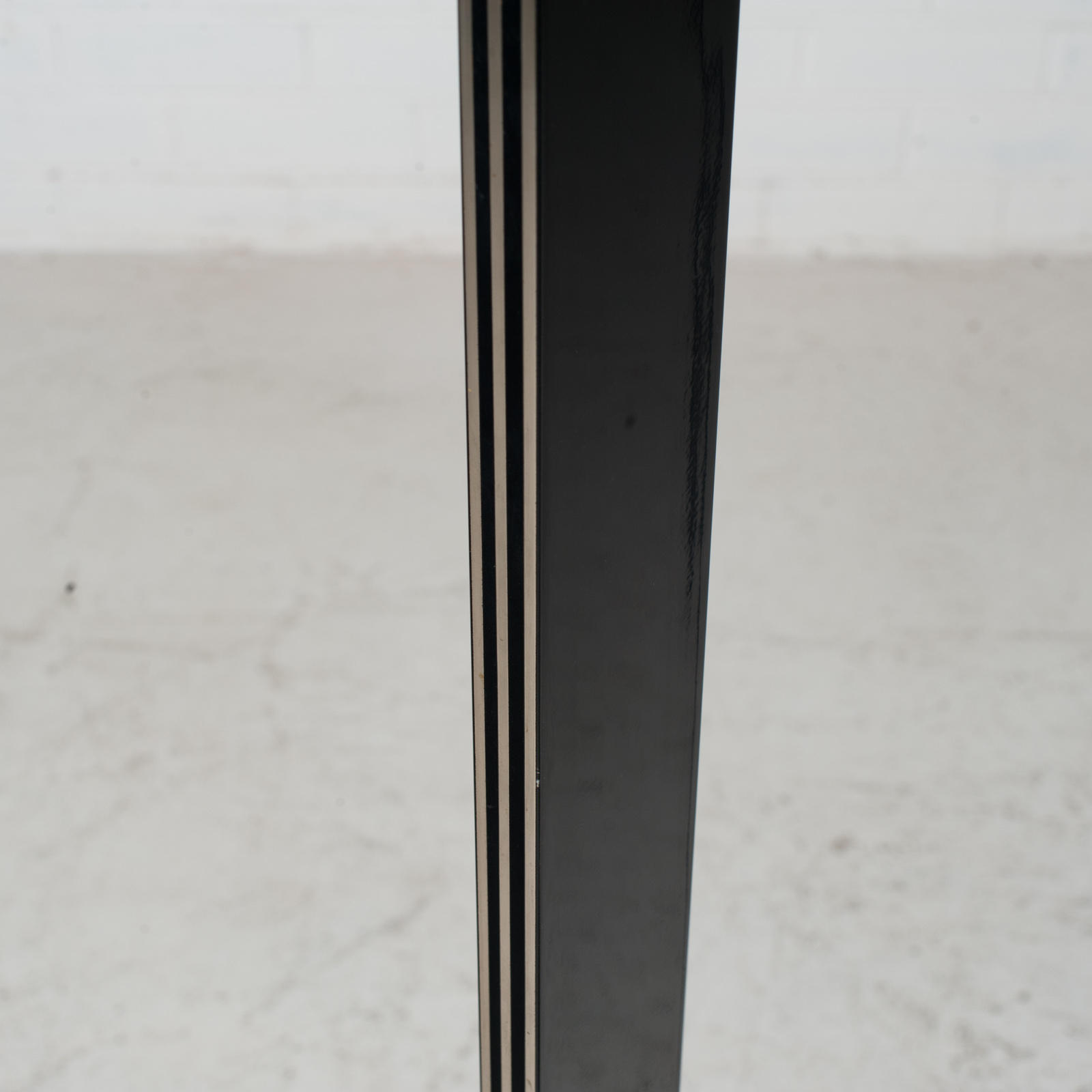 Black Metal And Brass Floor Lamp 1980s Italy 05