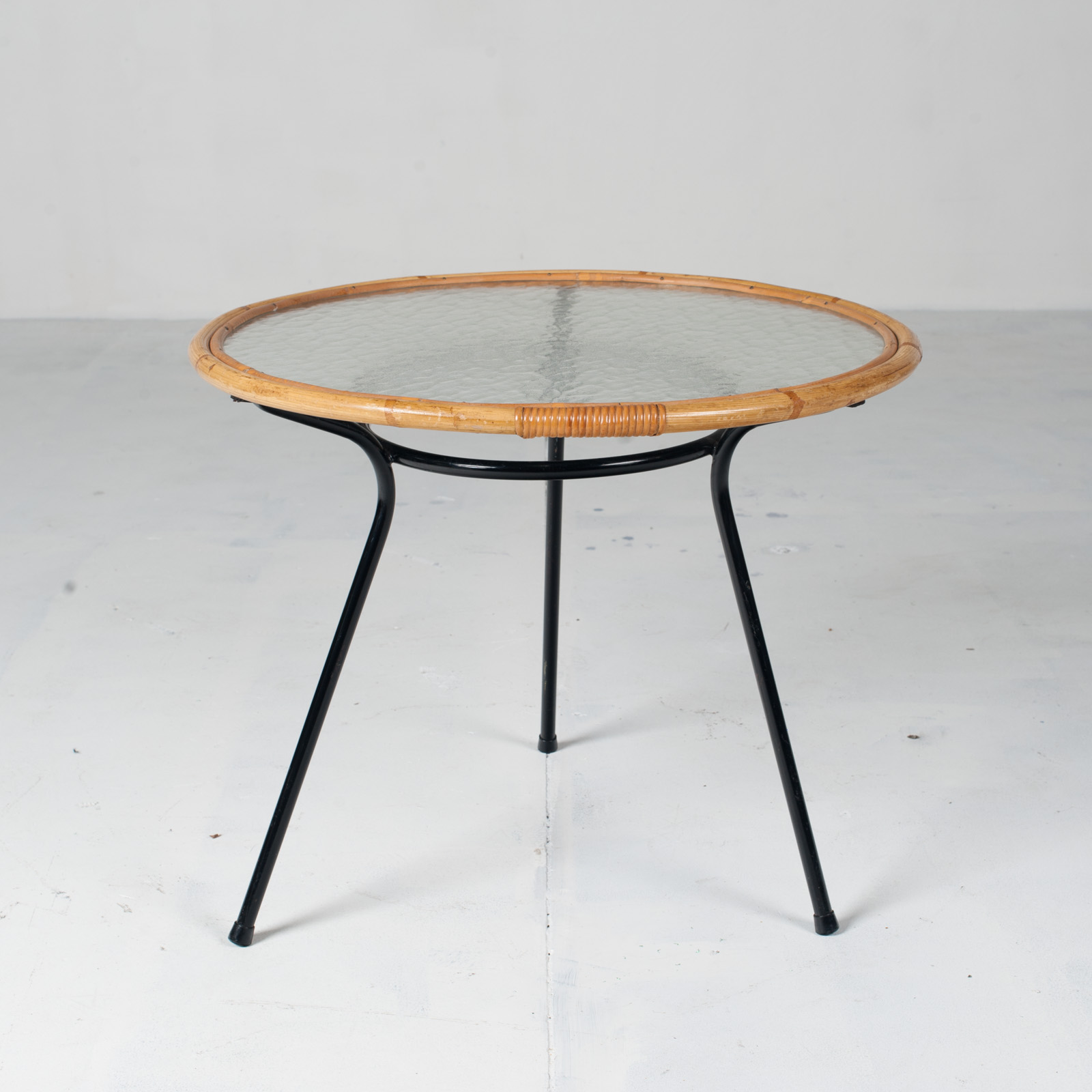 Circular Side Table By Rohe Noordwolde 1960s Netherlands 03