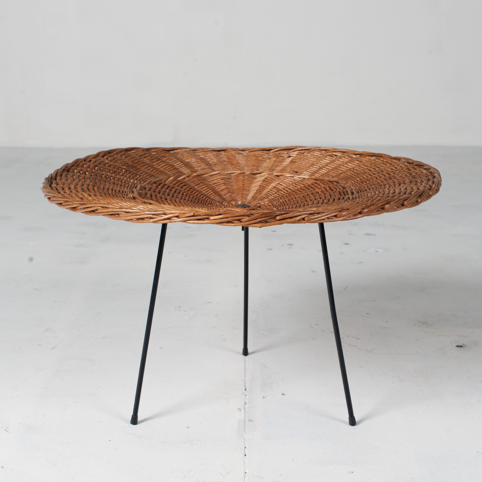 Rattan Side Table 1950s France 02