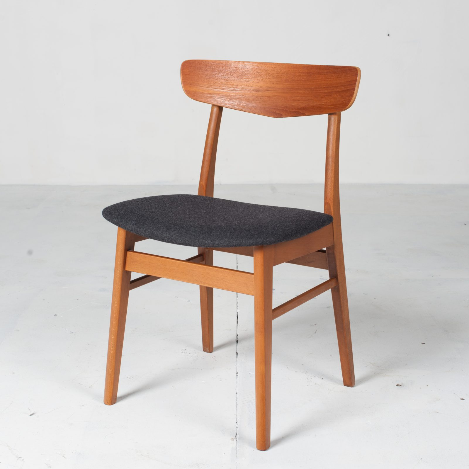 V Back Dining Chairs By Farstrup In Teak And New Navy Upholstery 1960s Denmark 01