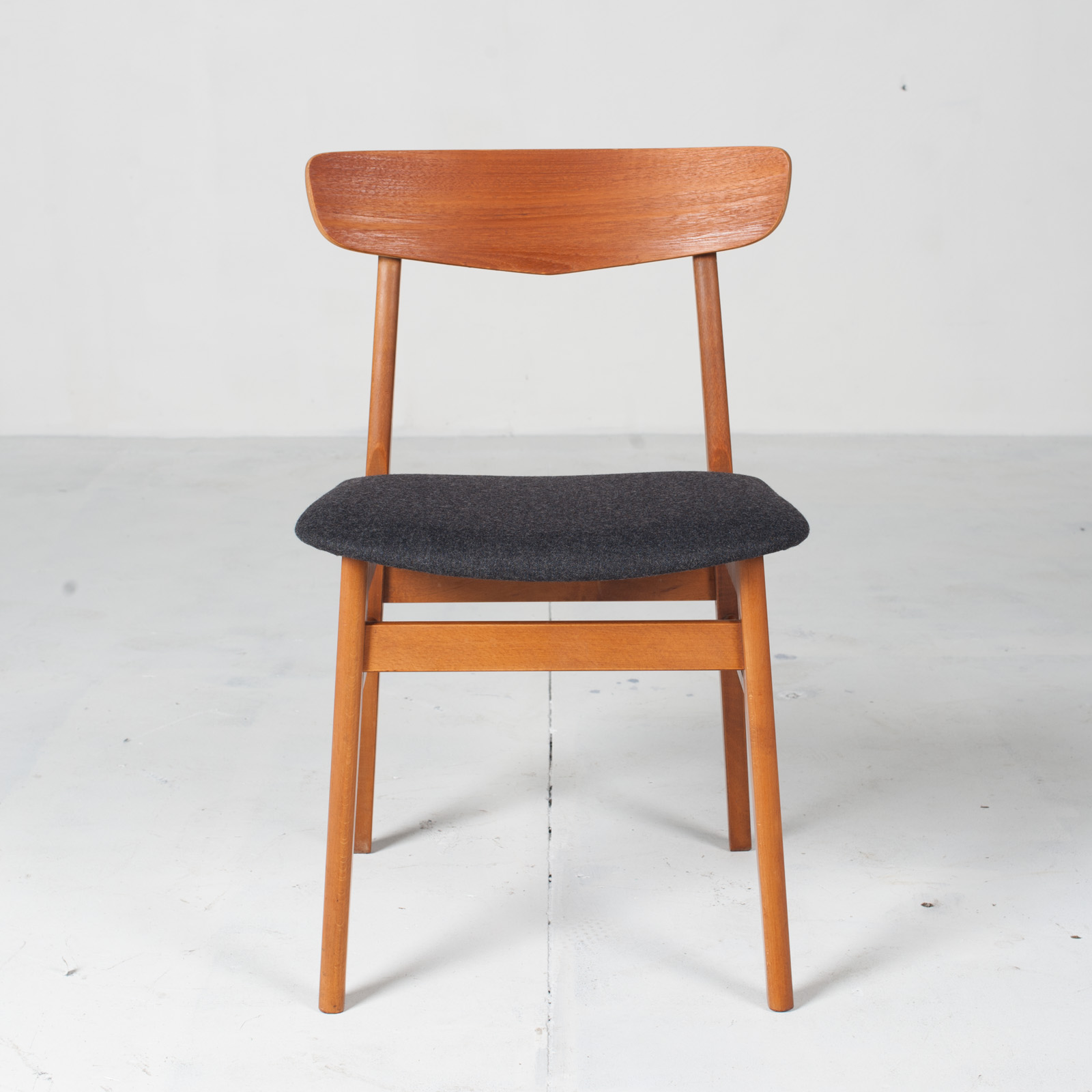 V Back Dining Chairs By Farstrup In Teak And New Navy Upholstery 1960s Denmark 02