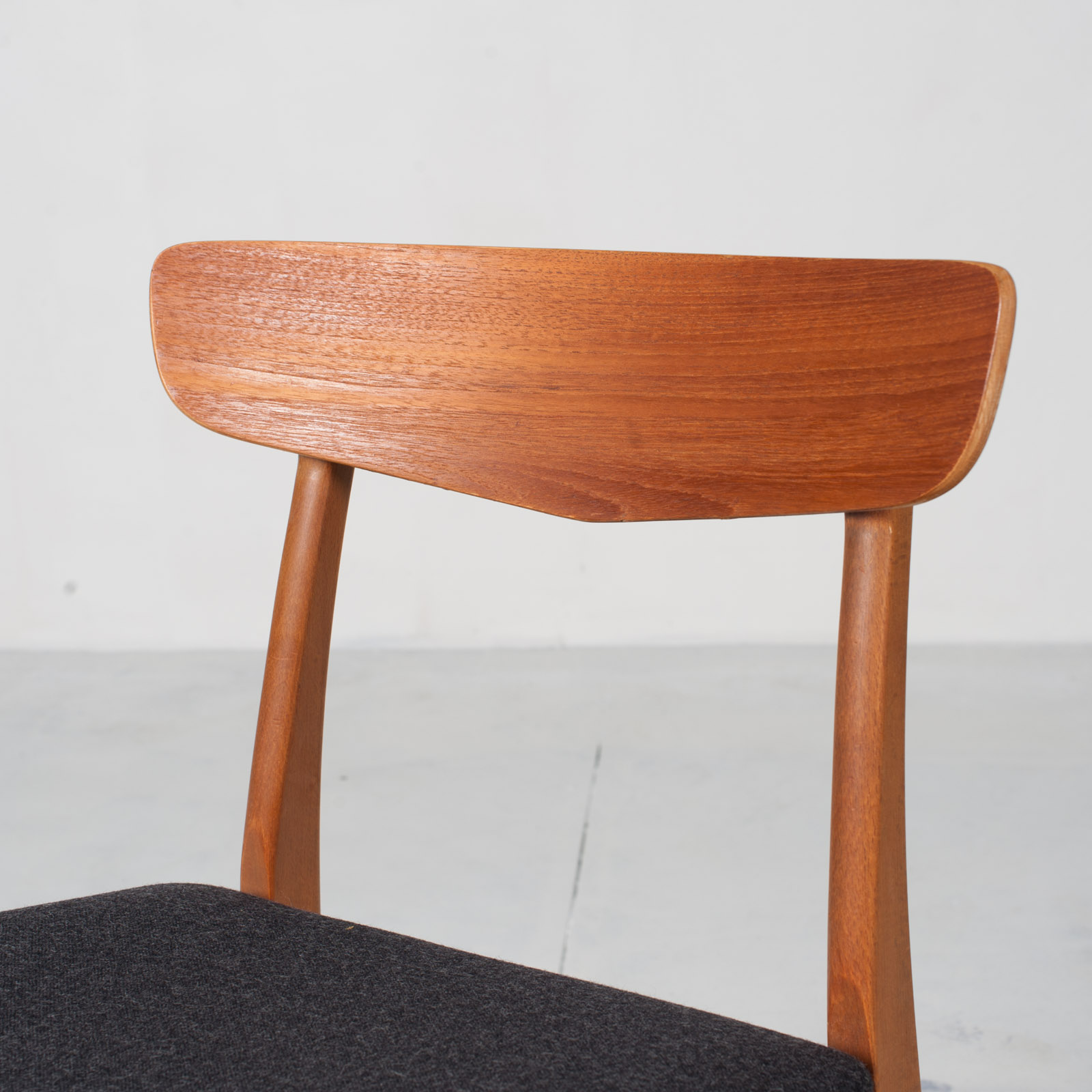 V Back Dining Chairs By Farstrup In Teak And New Navy Upholstery 1960s Denmark 03
