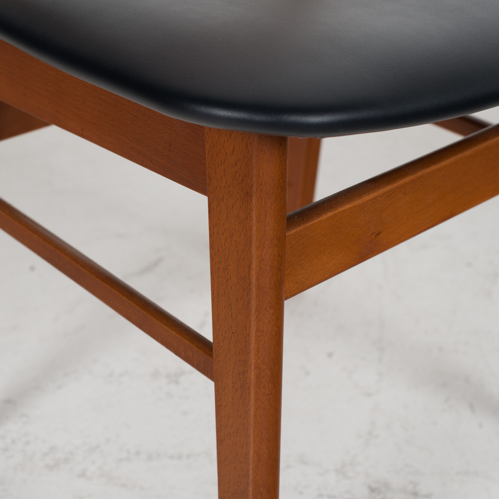 V Back Dining Chairs By Farstrup With Buttons In Teak And New Vinyl Upholstery 1960s Denmark 03