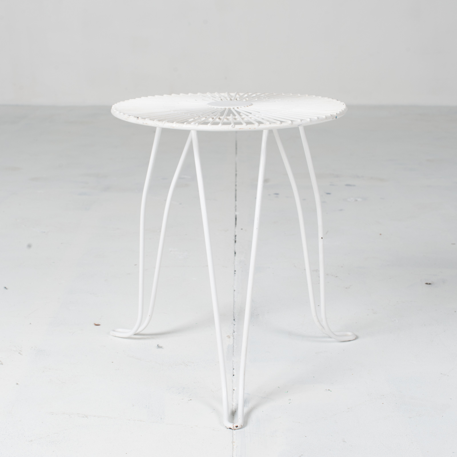 White Metal Wire Stool 1950s French 02